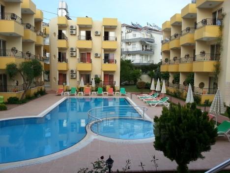 summer-rose-hotel