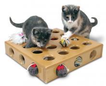 kedilerde-oyuncak-secimi-01